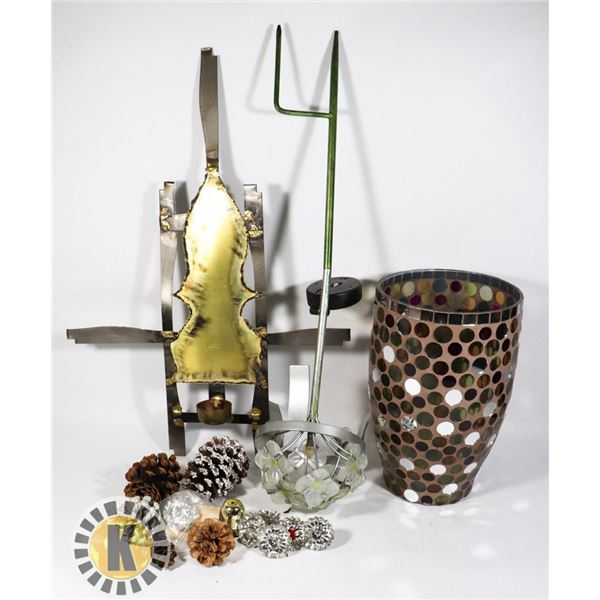 BOX OF BRASS AND GLASS ORNAMENTS/DECOR