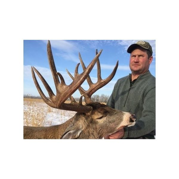 6 Day Alberta Rifle Whitetail Hunt for One Hunter with Dale McKinnon Alberta Guide and Outfitter