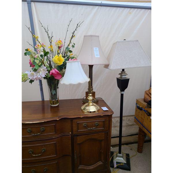 Lamps & Artificial Flowers Cat A