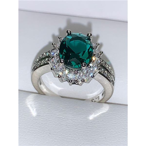 Emerald Style ladies Oval Solitaire Engagement/Anniversary ring .925 Silver Size 7