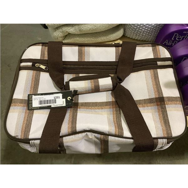 Bee & Willow Insulated Casserole Tote