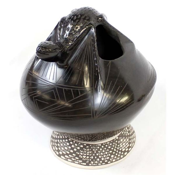 Mata Ortiz Black on Black Pottery Jar by Quezada