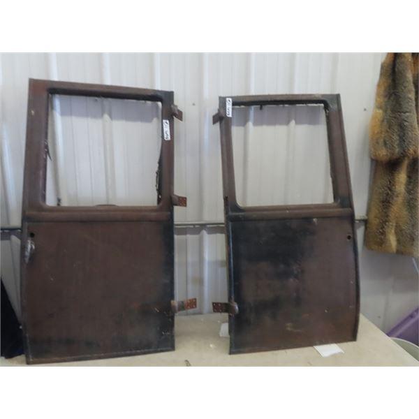 2 Ford Model T Doors