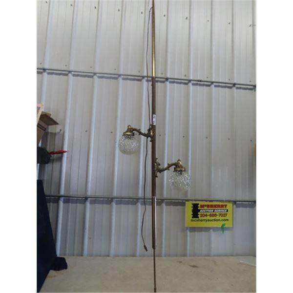 (TM) Retro Pole Lamp