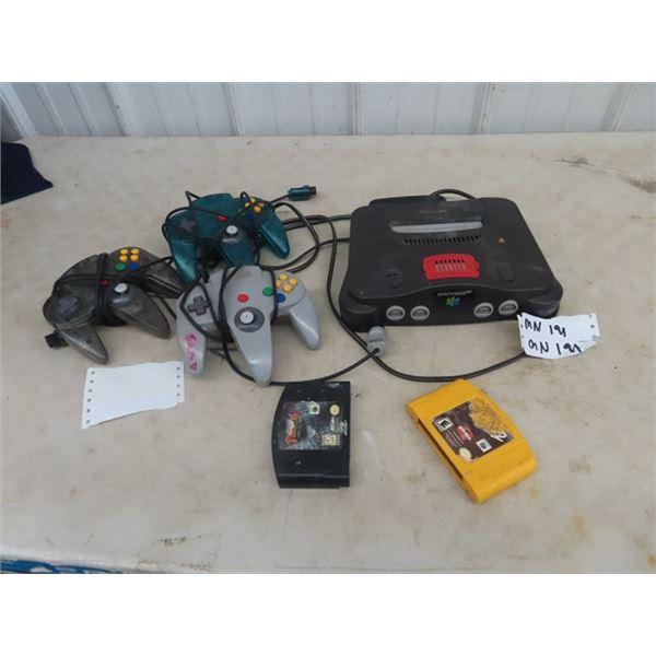 (MN) Nintendo 64 , 3 Controls & 2 Games