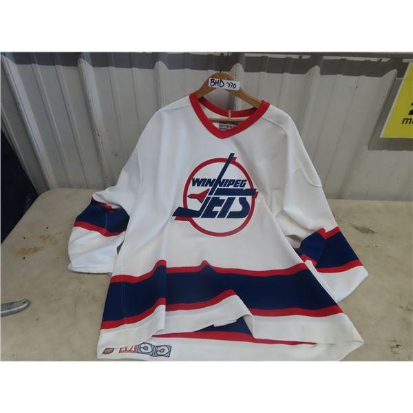 Winnipeg Jets Jersey - Size 52