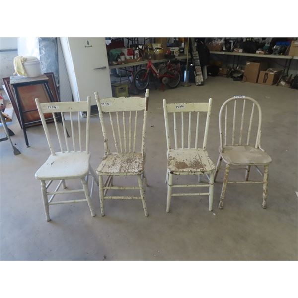 (TS) 4 Wooden Painted Kitchen Chairs