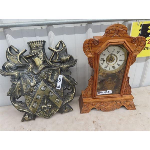 Gingerbread Mantle Clock & Metal Shield Display