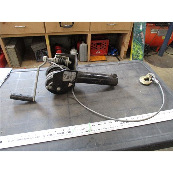 2000LB winch + cable