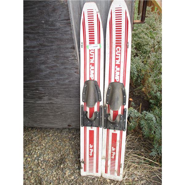 """Cut N Jump Pair of water ski's junior 44"""" long"""