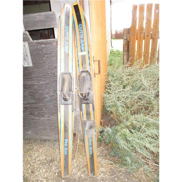 "Cut N Jump Pro Am - pair of water ski's - 67"" long"