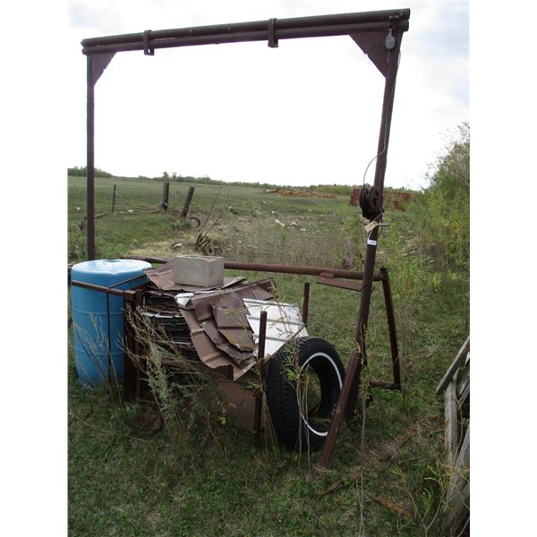 Metal Stand with winch + misc