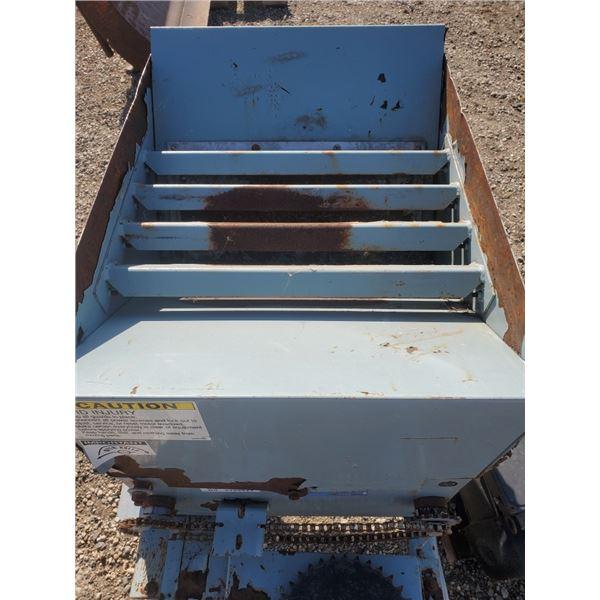 Blueline 760 Roller Mill (broke shaft in roller) is repairable, motor needs work