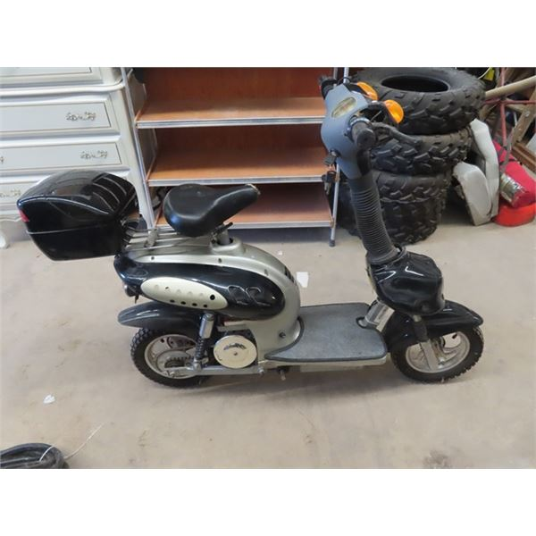 Elec Scooeter w Manual & Charger -Unknown Condition