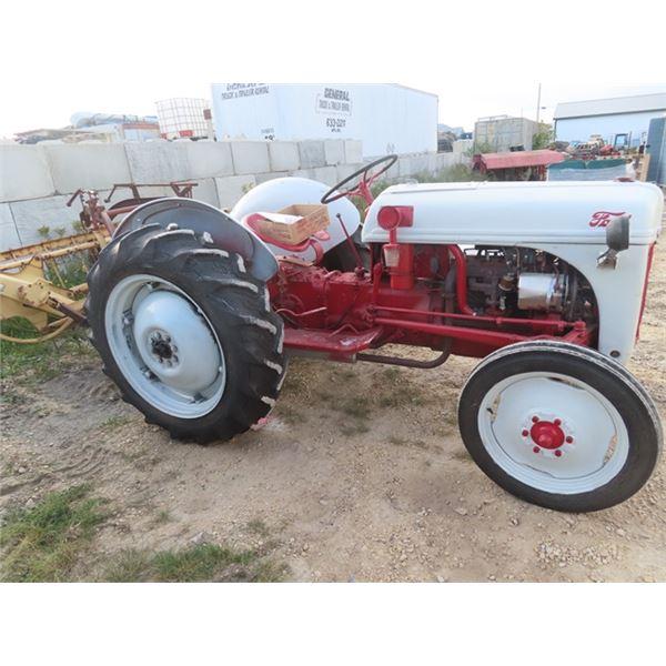 Ford 8 N Tractor 3PH 540 PTO - Runs
