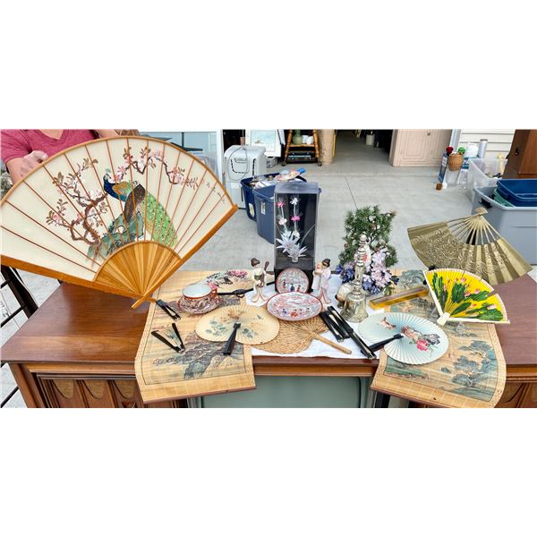 ANOTHER LOT OF ORIENTAL DECORATIVES TO INCLUDE A HAND-PAINTED FAN, A BRASS FAN, AND MANY OTHER FUN I