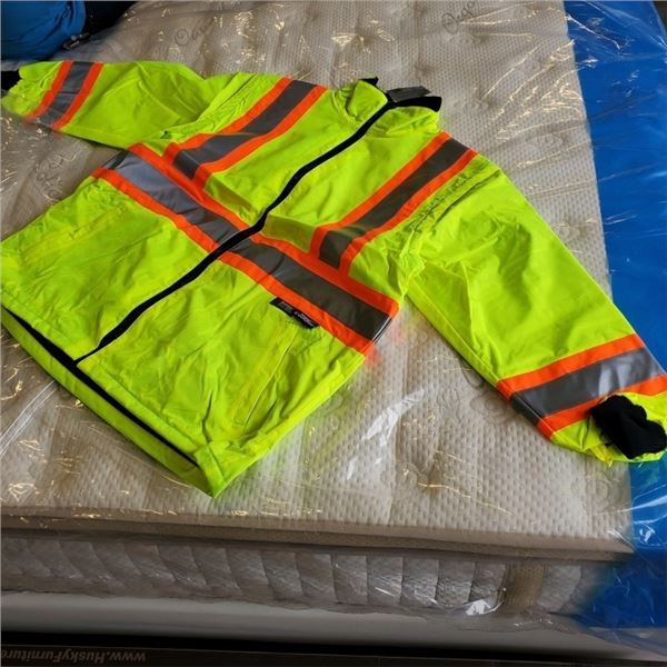 NEW CONDOR 2 IN 1 HIGH VIS INSULATED JACKET CAN BE UNZIPPED INTO VEST