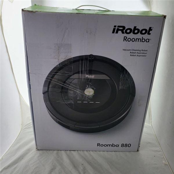 IROBOT ROOMBA 880 ROBOT VACUUM WORKING RETAIL $899