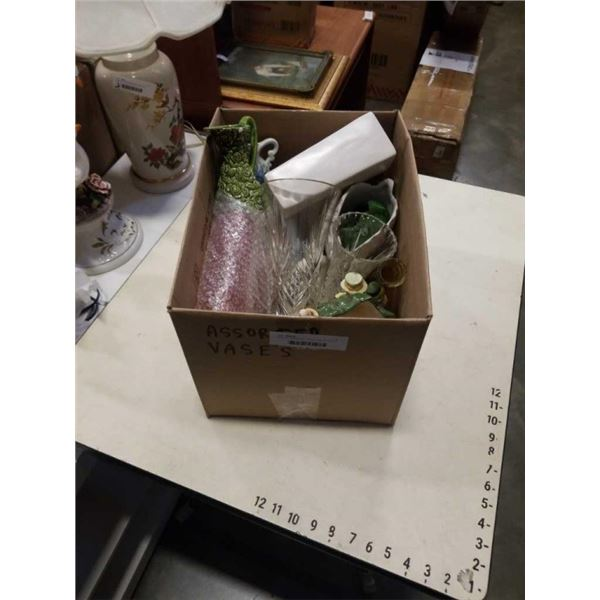 BOX OF VASES AND OTHER COLLECTIBLES