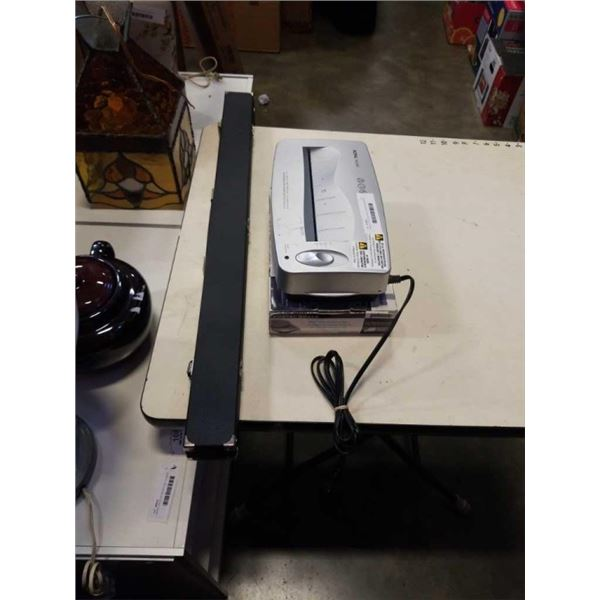 CASED POOL CUE WITH PAPER SHREDDER HEAD AND SCALE