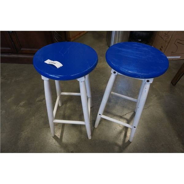 PAIR OF BLUE AND WHITE BARSTOOLS