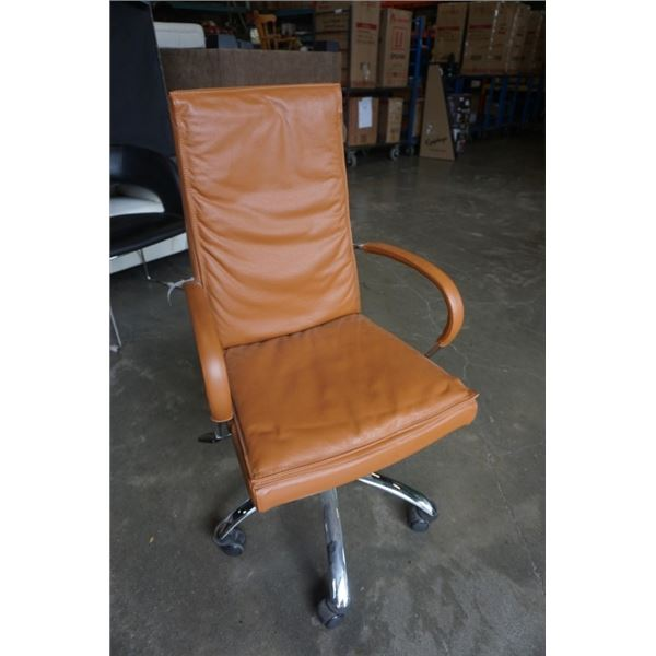 ITALSTUDIO LEATHER ROLLING OFFICE CHAIR
