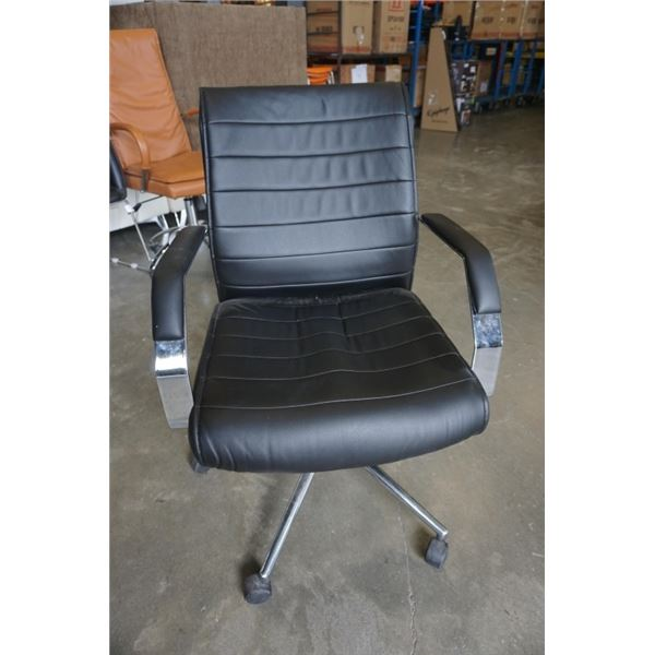 BLACK LEATHER LOOK ROLLING OFFICE CHAIR