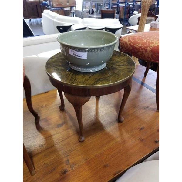 WALNUT MCM SIDE TABLE WITH SQUARE NEST POTTERY BOWL