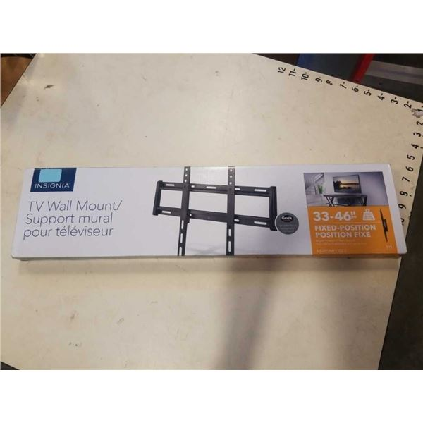 NEW OVERSTOCK INSIGNIA 33-46 INCH FIXED POSITION TV WALL MOUNT