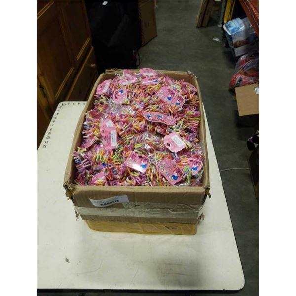 BOX OF NEW BRACELETS - APPROX 420 SETS