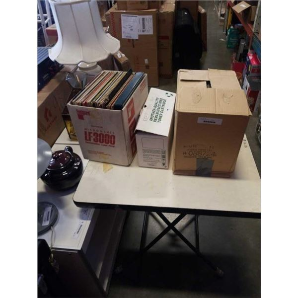 3 BOXES OF CDS AND RECORDS