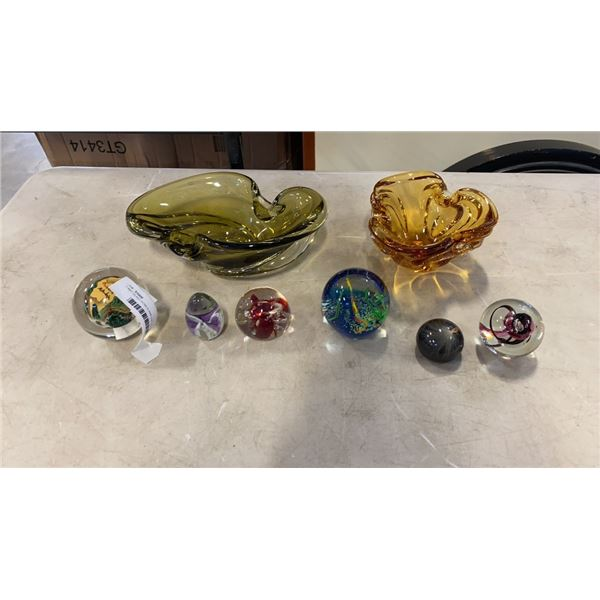 2 ART GLASS BOWLS AND LOT OF PAPER WEIGHTS