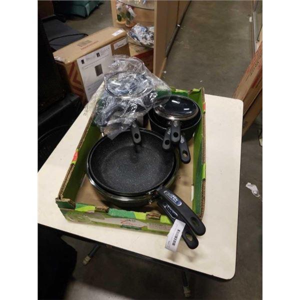 THE ROCK POTS AND PANS 5 POTS, 2 PANS, 4 LIDS