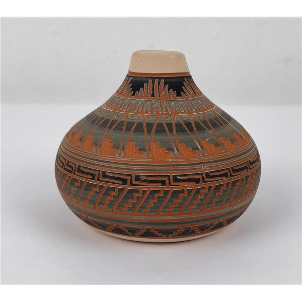 Carol Johnson Navajo Indian Pottery Vase