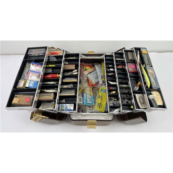 Umco 1000 Brown Fishing Tackle Box w/ Lures