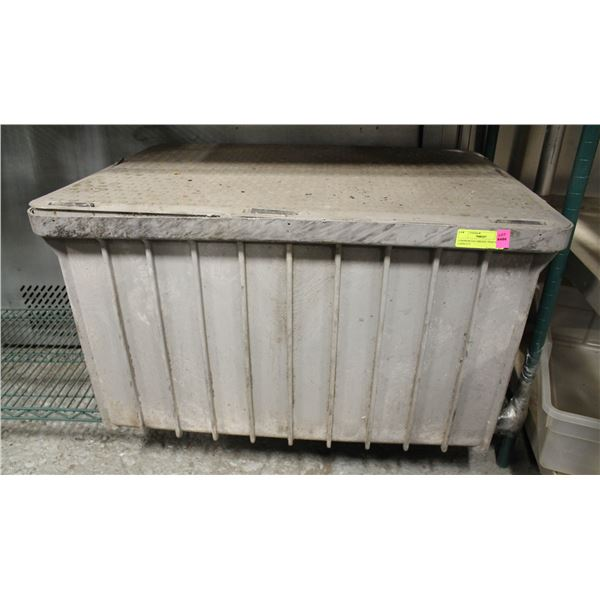 COMMERCIAL GREASE TRAP 46LBS CAPACITY