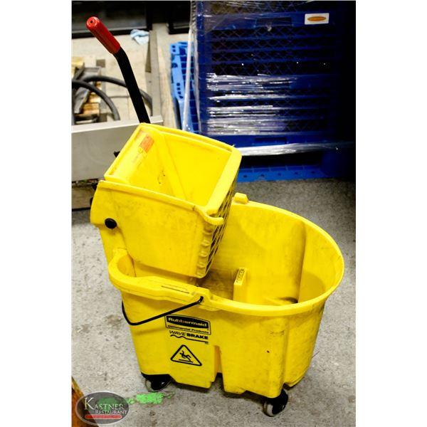 K33 BAILIFF SEIZURE: RUBBERMAID MOP BUCKET W/ RING