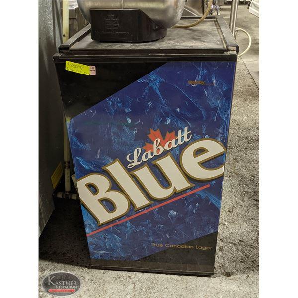 LABATT BLUE BAR FRIDGE *AS IS NOT WORKING