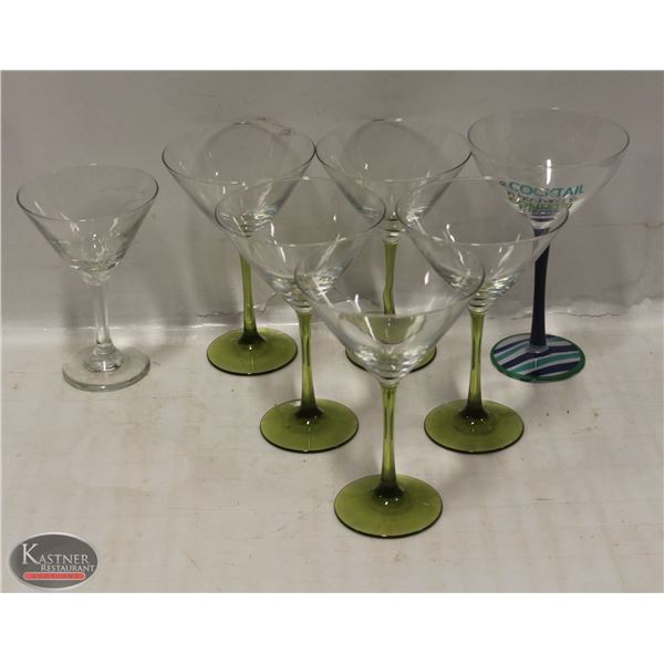 BOX OF 7 LARGE COCKTAIL GLASSES