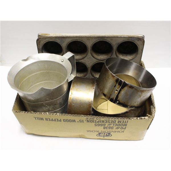 LOT OF VARIOUS COMMERCIAL BAKEWARE