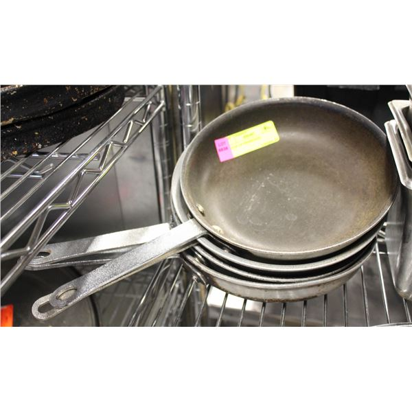 """LOT OF 4 8"""" FRYING PANS"""