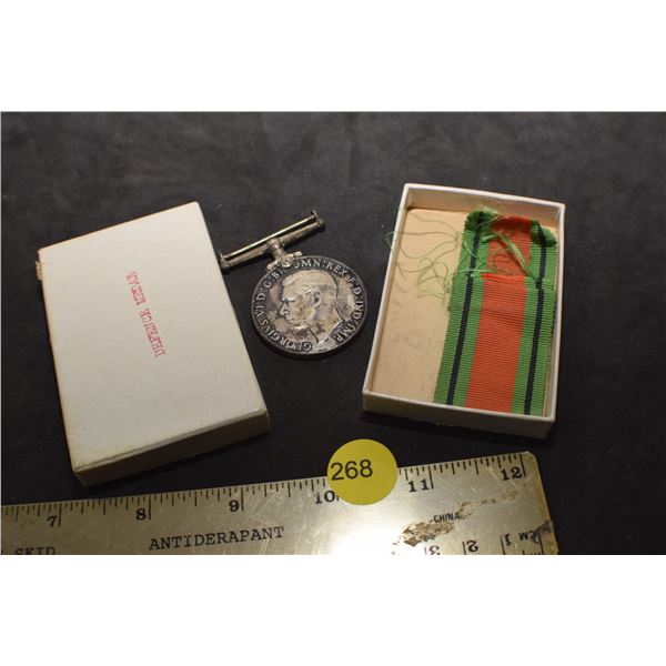 British defense medal/sterling/box
