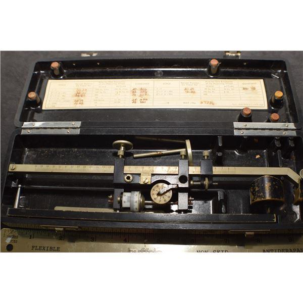 Antique Planimeter, drafting, measures area inside curves