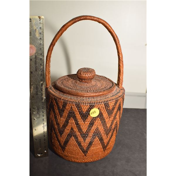 Wonderful Antique American Indian basket, lid fits like a cover