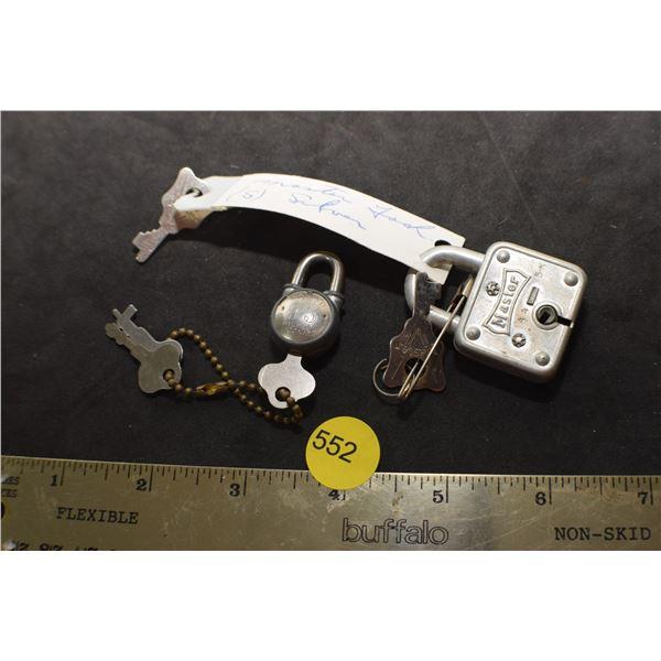 2 X Locks & keys