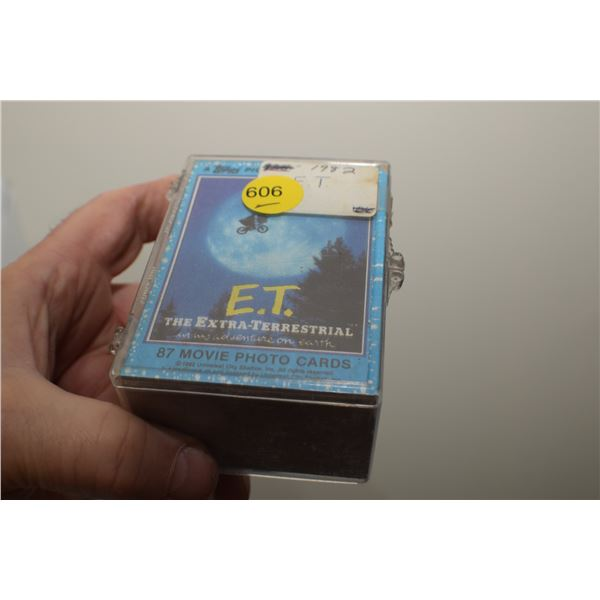 1982 E.T Trading cards