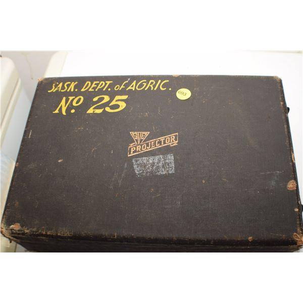 Antique U of S projector