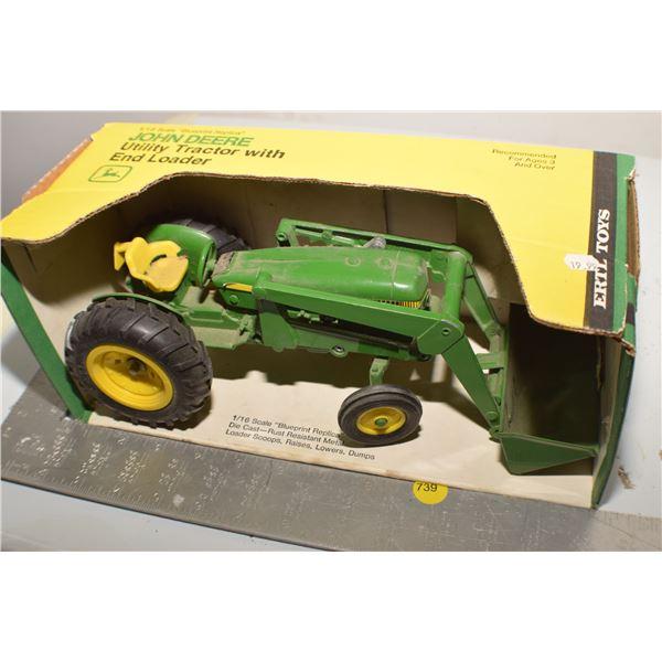 John Deere 1/16 utility tractor