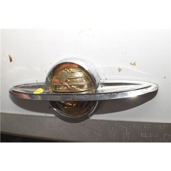 1958 Olds Antique Grill auto Emblem