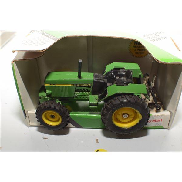 John Deere Utility 1/32 toy tractor